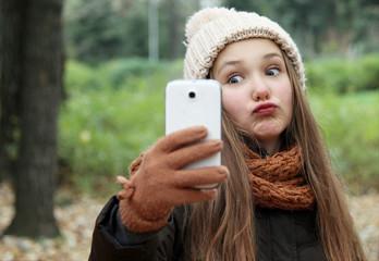 selfie crazy child