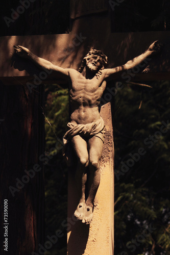 Papiers peints Statue Holy cross with crucified Jesus Christ