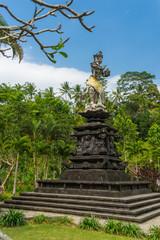 Bali statue at Turta Emphul temple