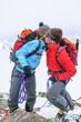 Alpinisten freuen sich gemeinsam