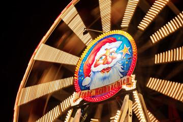 Riesenrad auf dem Weihnachtsmarkt