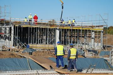 Menschen bauen