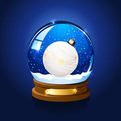 Snow globe with Christmas ball