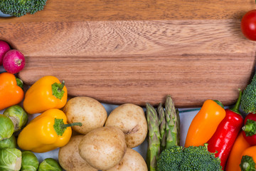 fresh veegetables and chopping board