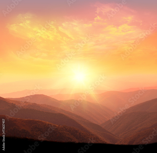 Aluminium Bergen sunrise in the mountains