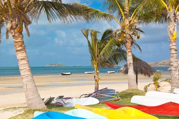 matériel pour activités nautiques sur plage de Rodrigues