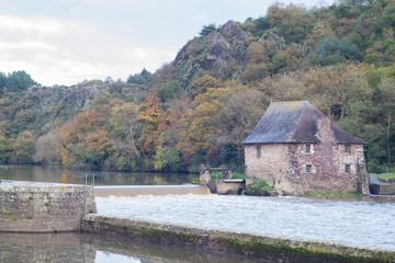 Moulin, barrage