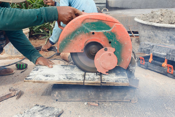 angle grinder cutting wood
