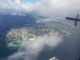 Malediven Male, Luftaufnahme der Hauptinsel und des Flughafens