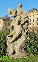 Figurengruppe im Hofgarten Würzburg