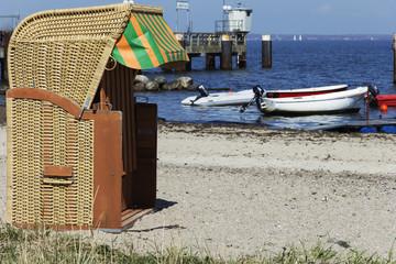 Strandkorb am Steg in Landballig