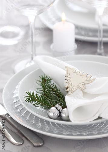 Leinwanddruck Bild Christmas table setting in silver and white