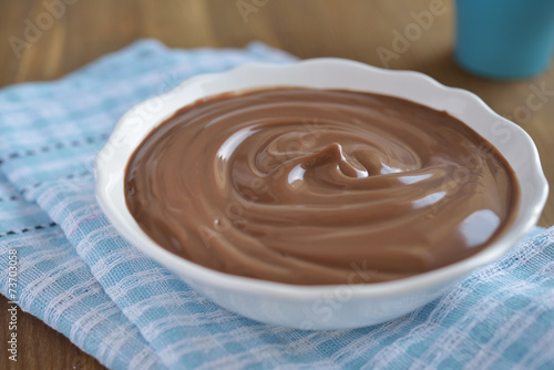 Chocolate pudding - 73703058