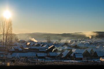 Зимний вечер в уральской деревне Меседа.