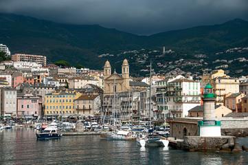 Bastia : le vieux port sous l'orage