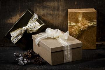 Weihnachtspäckchen, Studio