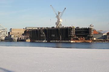 док для кораблей на реке
