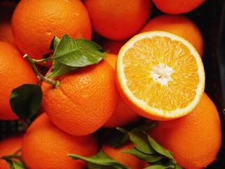 oranges market organic leaf