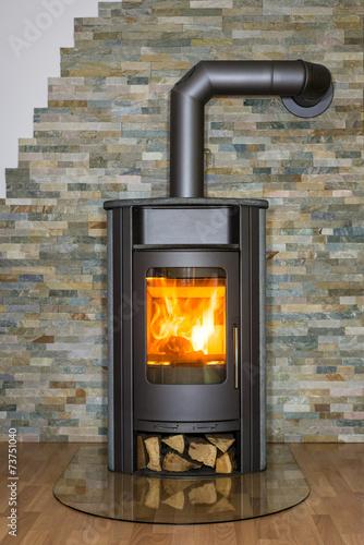Brennender Kaminofen - 73751040