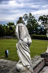 Statua nuda
