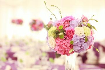 Beautiful wedding flower decoration table arrangement