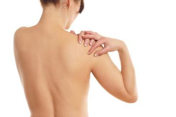 Frau hat Schmerzen in der Schulter