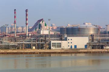 Gasoline storage tanks in the seaport. Seaport.