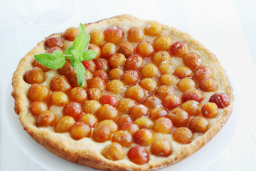 pie with cherries