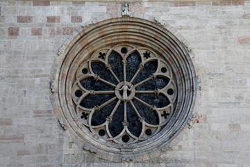 rosone; fianco nord del Duomo di Trento