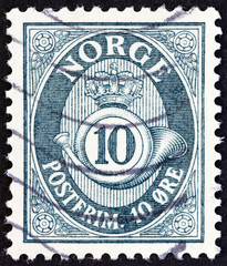 Crown, post horn and value (Norway 1951)