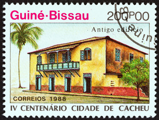 Early building (Guinea-Bissau 1989)