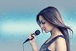 Постер, плакат: Зимняя песня Портрет красивой женщины с микрофоном