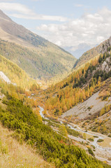 Susch, Dorf, Flüelapass, Flüelabach, Herbst, Schweiz