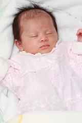 生後1ヶ月の赤ちゃんの寝顔