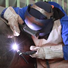 MIG welder welding big column