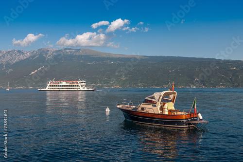 Fotobehang Gletsjers Lake Garda is the largest lake in Italy.
