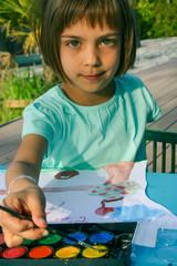peinture enfant en extérieur