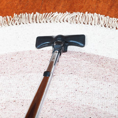 carpet cleaning with vacuum cleaner
