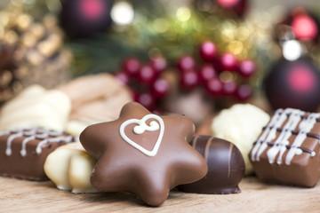 Weihnachtspralinen mit Herzchen