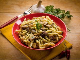 strozzapreti with mushroom