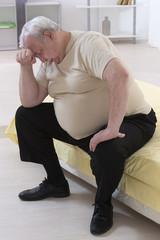 inquiétude homme senior