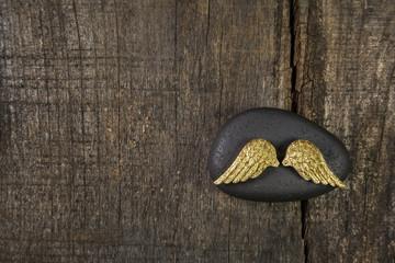 Trauerkarte oder Kondolenzkarte: Hintergrund Holz mit Engel