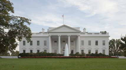 Time lapse zoom out of The White House