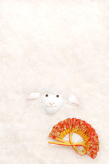 自作の羊のクラフトを撮影