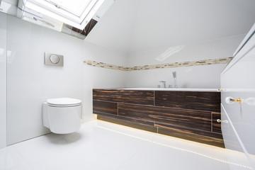 Bright batrhroom
