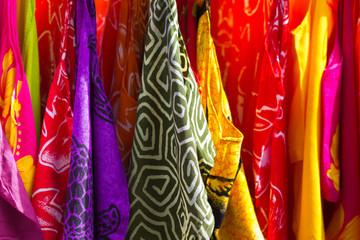 tissus exotiques de couleurs