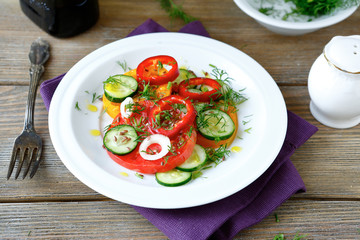 Fresh salad with tomato and pepper
