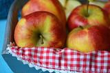 Fruitschaal met verse appels poster