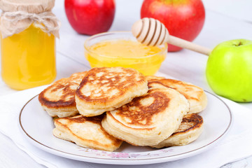 Fritters with apples and honey