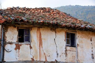 casa antigua en ruinas